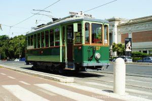Roma tour in Tram OTTOFINESTRINI Numero posti 28: 14 a sedere e 14 in piedi