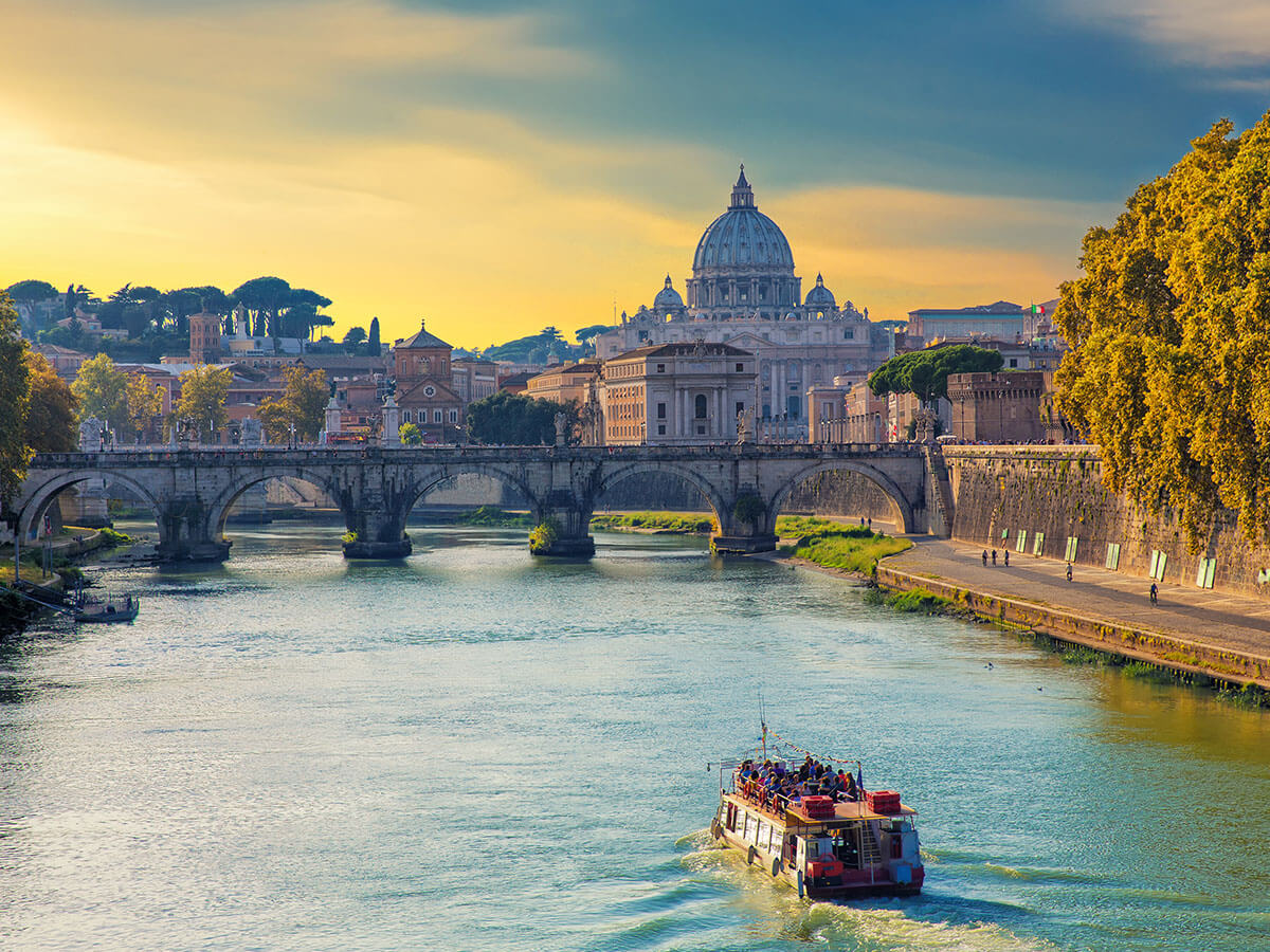 Rome River Boat Cruise