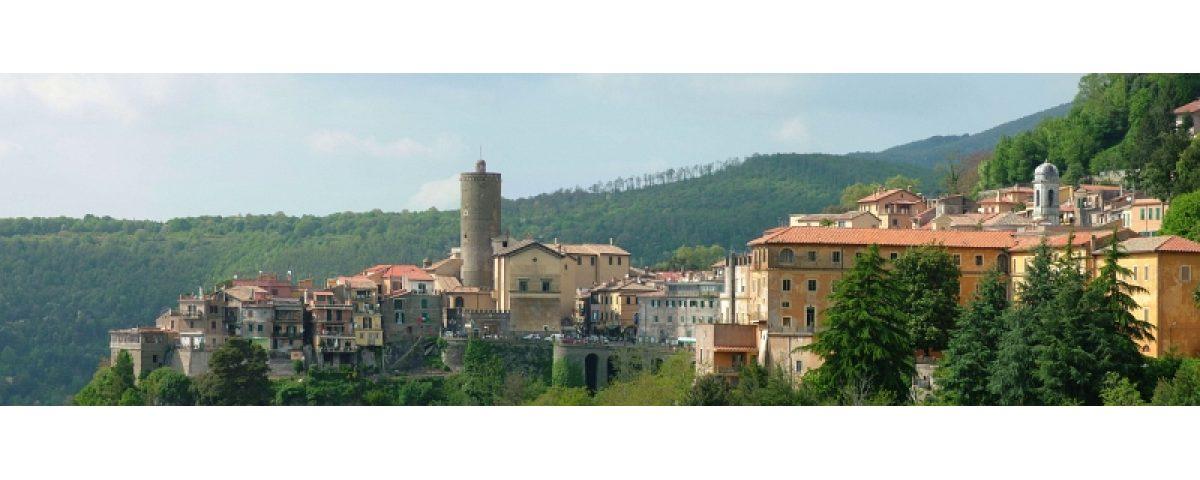 tour dormi, mangia e bevi ai castelli romani - Nemi panorama 1200x480 - Tour Dormi, mangia e bevi ai Castelli Romani