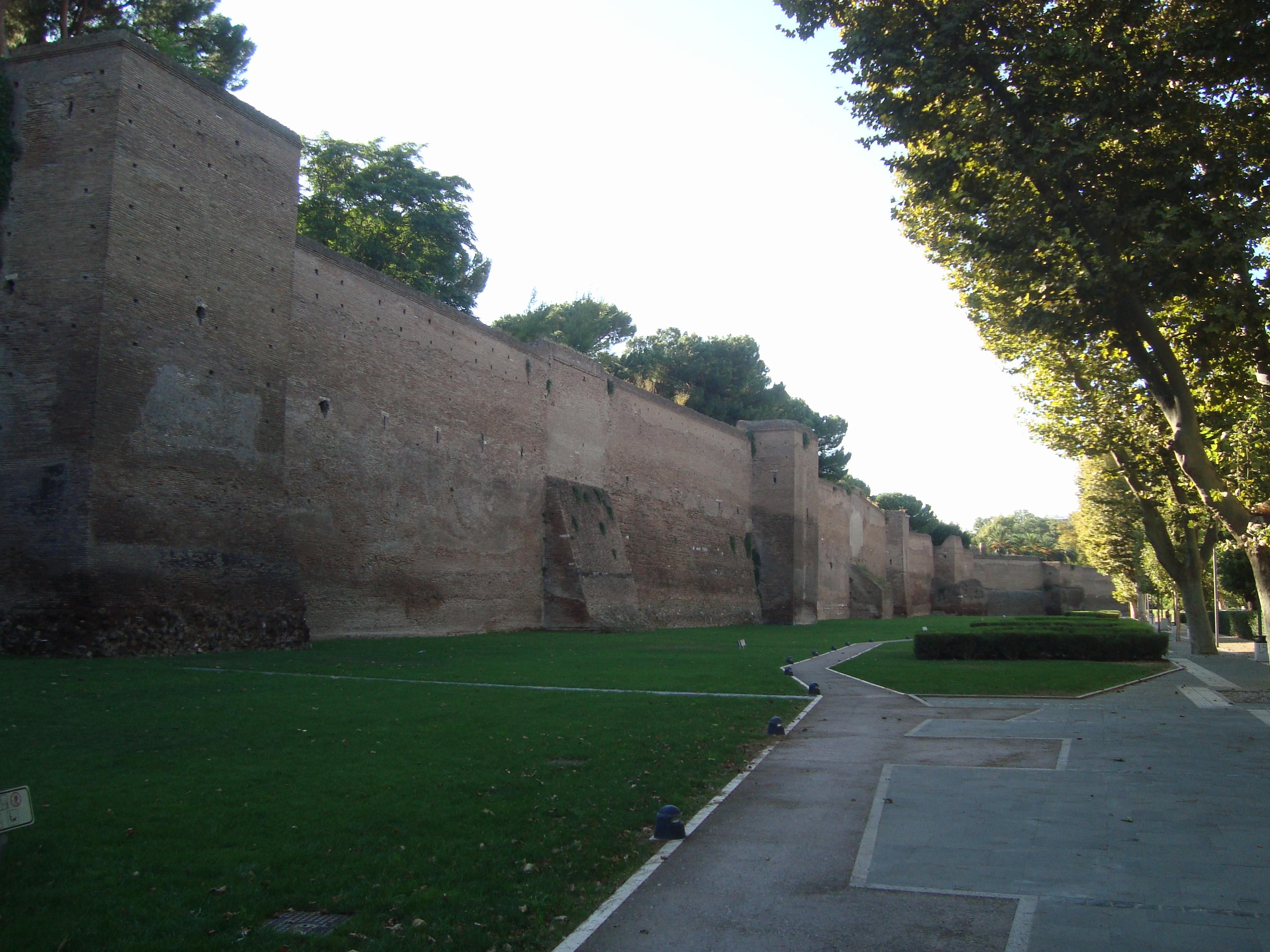 mura aureliane tra porta metronia e porta latina - Roma Mura Aureliane tra Porta Metronia e Porta Latina - Mura Aureliane tra Porta Metronia e Porta Latina