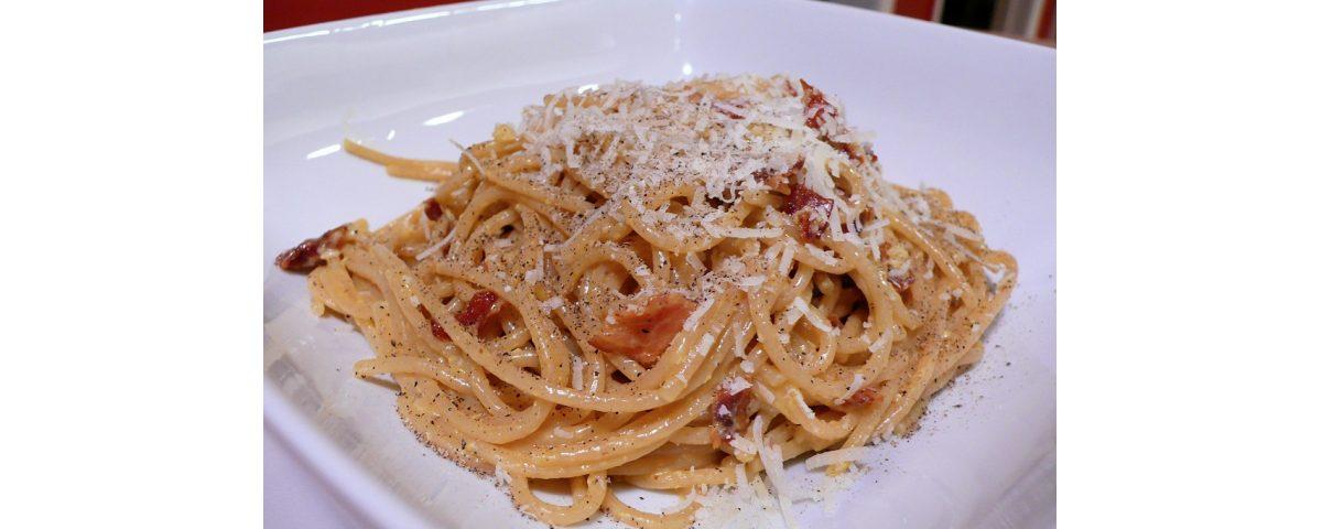 menù tradizione - Classic spaghetti carbonara 1200x480 - Menù tradizione