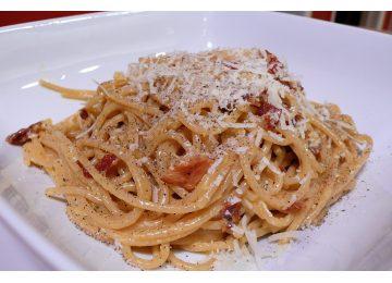 menù tradizione - Classic spaghetti carbonara 360x260 - Menù tradizione