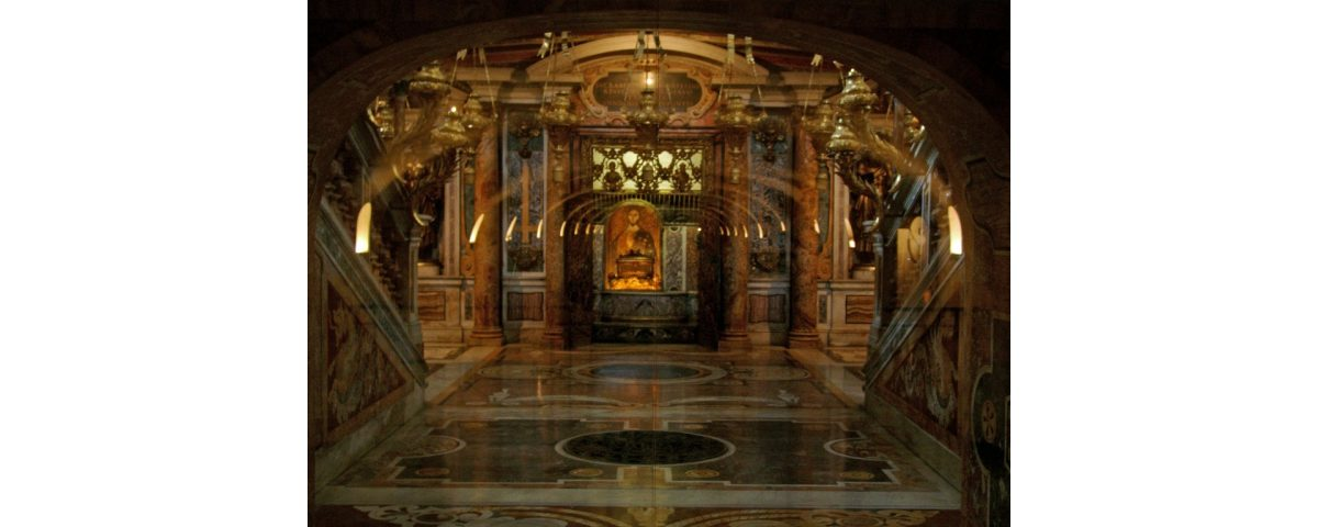 St. Peter's Tomb in St. Peter's Basilica st peter tomb in st peter's basilica - Tomb of St - St. Peter's Tomb in St. Peter's Basilica – Vatican City tour