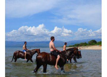 a cavallo sul lago di bracciano - A cavallo sul lago di Bracciano Large 360x260 - A cavallo sul lago di Bracciano