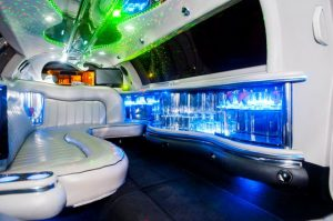 tour a roma in limousine - Lincoln Vip White Edition 8 seats 2 300x199 - Tour a Roma in limousine