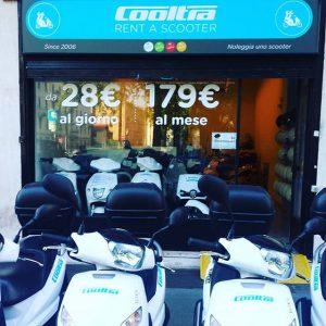 Noleggio Scooter - Noleggiare scooter a Roma è il più comodo dei modi per spostarsi facilmente a Roma. I nostri scooters sono tutti automatici con un look moderno. roma noleggio scooter - 13166763 1114320991940415 2134899251 n 300x300 - Roma Noleggio Scooter