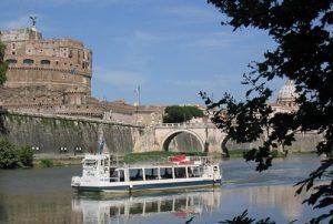 Roma crucero en el Tíber, Roma cena a bordo, Visita Roma Río Tíber, Tevere, paseos por el río Roma, crucero en barco por el río Tíber.