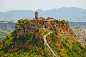 il villaggio di Civita di Bagnoregio, visita guidata intera giornata - See more at: https://www.tourinrome.com/it/civita-di-bagnoregio-mostri-di-bomarzo/#sthash.NIldRn9i.dpuf civita di bagnoregio - civita di bagnoregio 300x200 - Civita di Bagnoregio & Mostri di Bomarzo