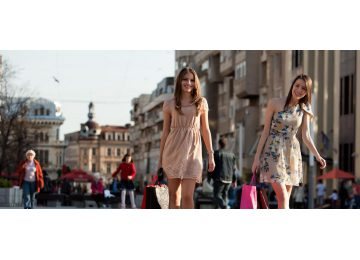 rome contemporary tour - Shopping Contemporaneo 360x260 - Rome Contemporary Tour
