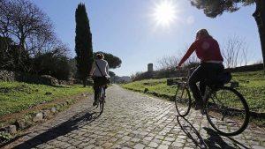 Tour Guiado en Bicicleta de la vía Appia tour guiado en bicicleta de la vía appia - Foto dentro il testo Copia 1 300x169 - Tour Guiado en Bicicleta de la vía Appia